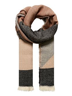 Scarf with graphic patterning