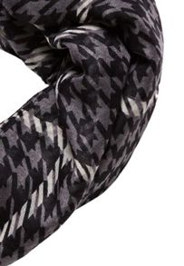 Hallhuber Houndstooth and check scarf