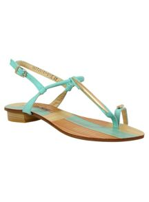 Betsy Toe loop sandals