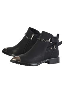 Toe cap ankle boot