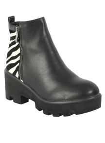 Betsy Chunky ankle boot