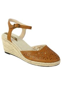 Betsy Cut Out Wedge