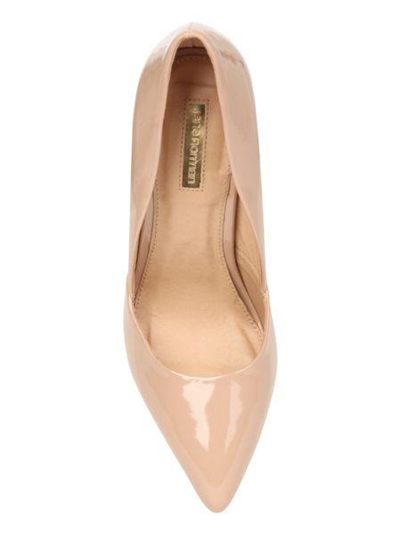 Jane Norman Patent pointed court shoe
