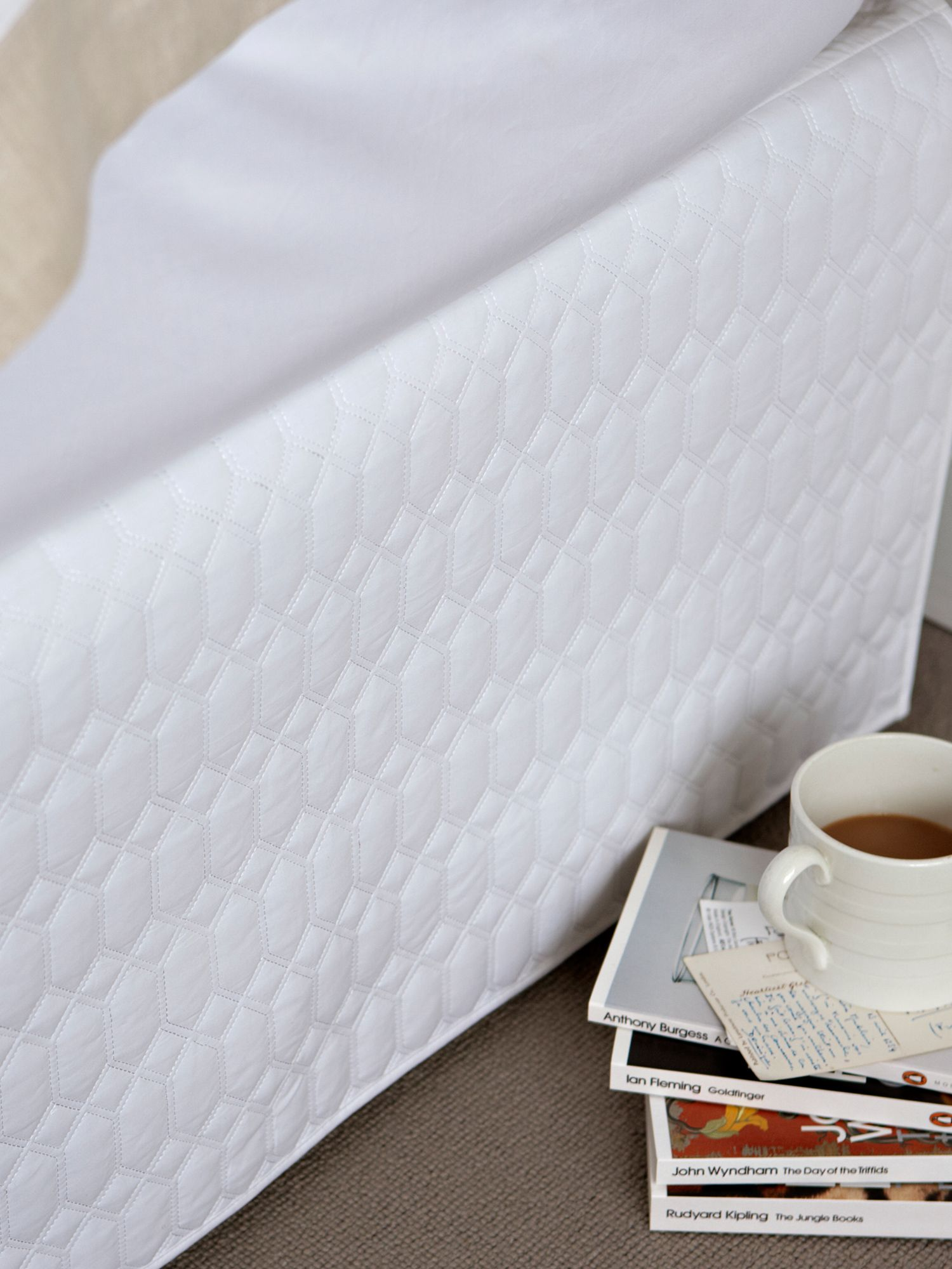 Lattice pillowsham white