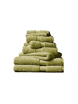 Ren 04 green fern bath towel