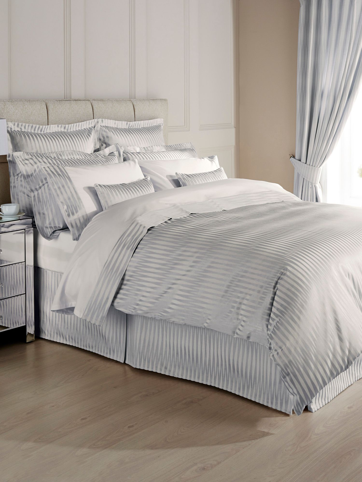 Rio Super King Duvet silver blue