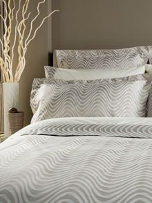 Milton single bedspread oyster