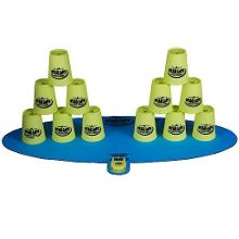 Stacking cups game - green