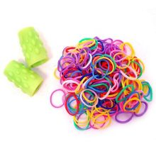 Finger loom with 150 loom bands
