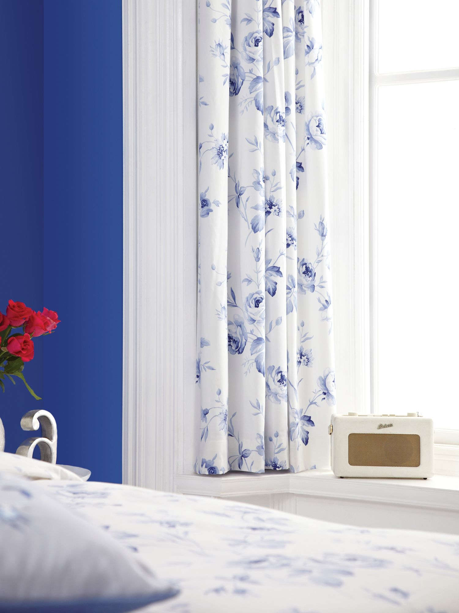 Sussex rose curtains 66x72 (168x183cm) blue