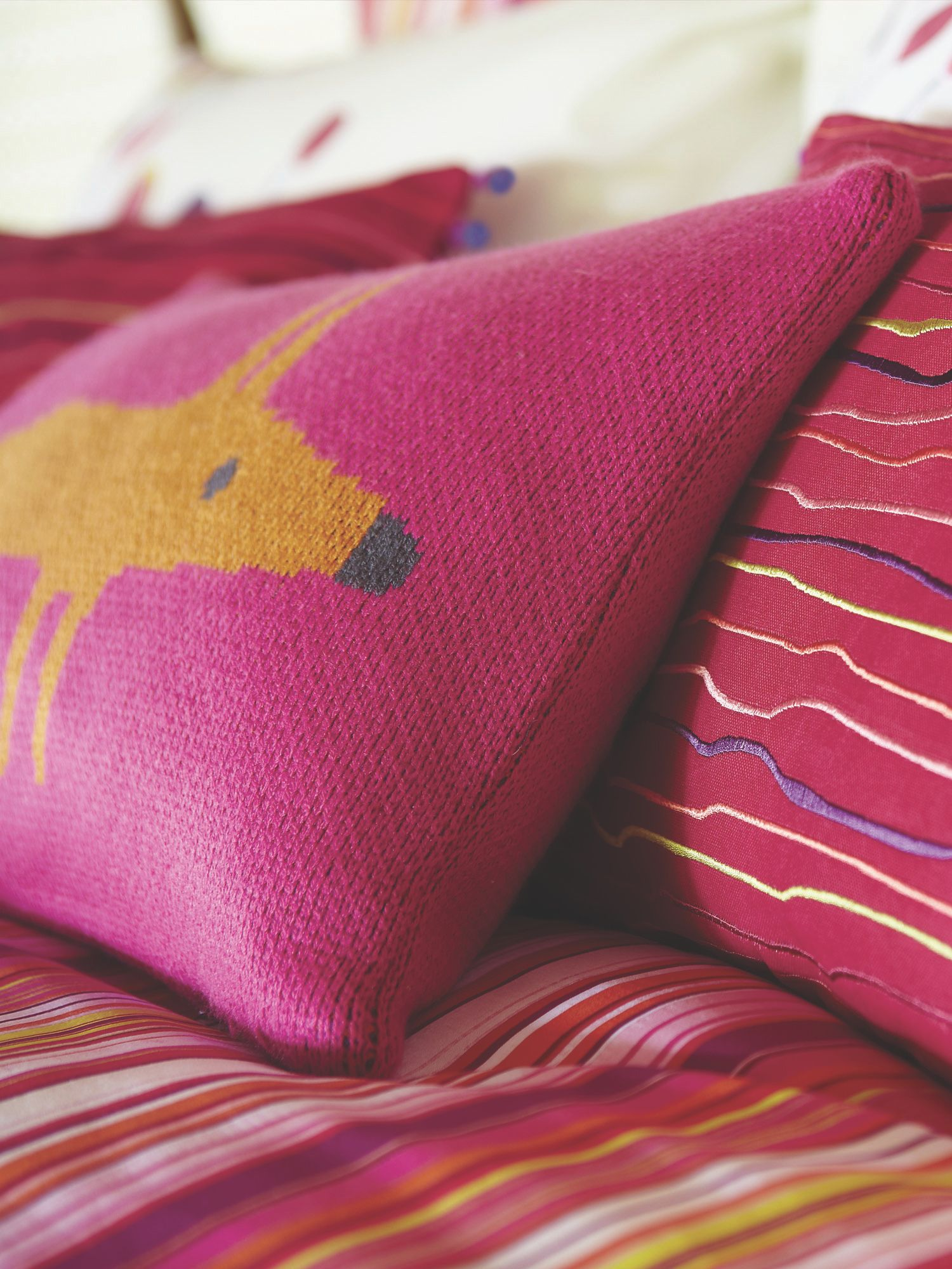 Mr fox cushion 30x50cm cerise