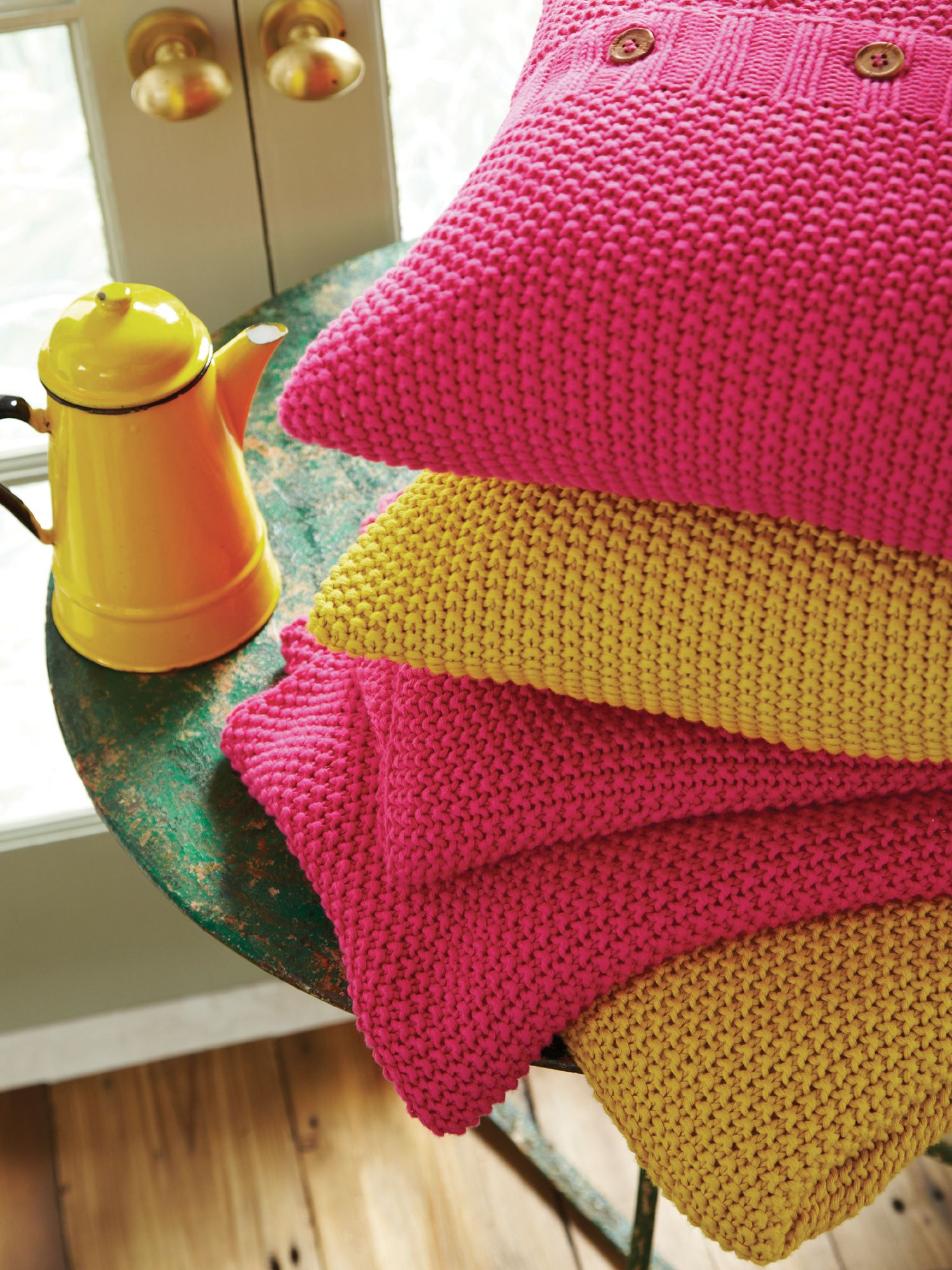 Moss stitch cushions 40 x 40cm yellow