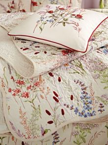 V&A Blythe meadow throw 230x265cm multi