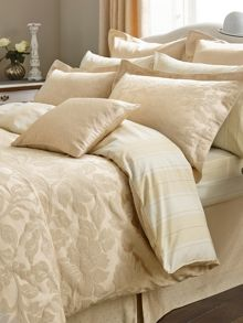 Colwyn gold cushion