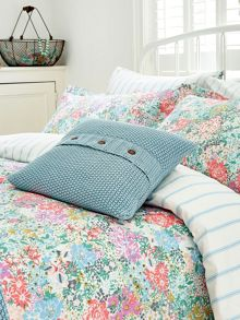 Moss stitch cushion 40x40cm powder blue