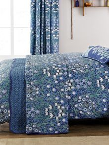 V&A Columbine throw one size blu