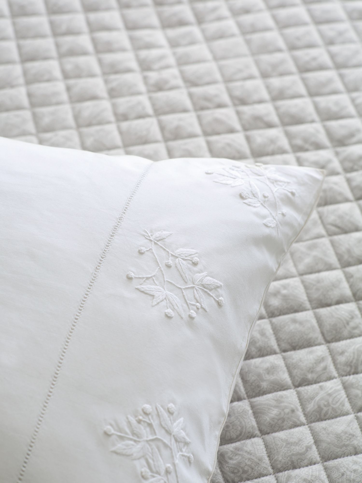 Image of Fable Beaumont throw double/ king silver