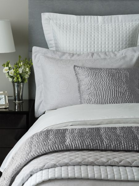 Fable Beaumont throw double/ king silver