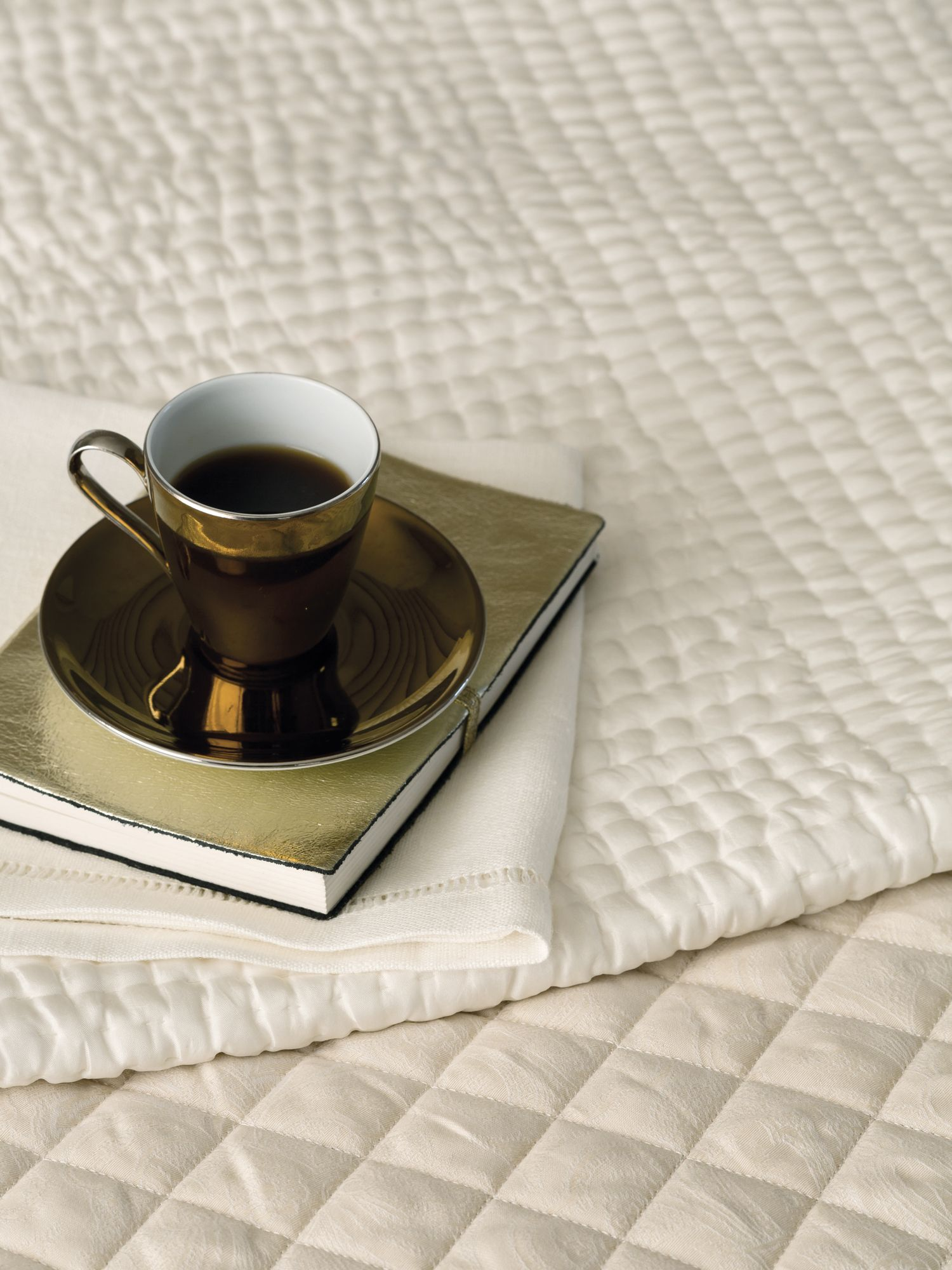 Fable Fable Sloane throw 150x200cm pearl