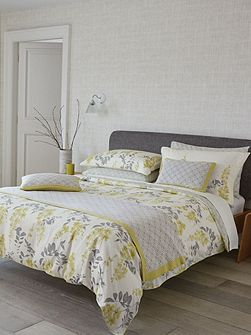 Wisteria blossom oxford pillowcase
