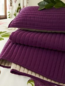 Sanderson Capuchins throw 170x220cm berry