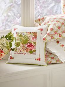 Rose cottage cushion 40x40cm multi