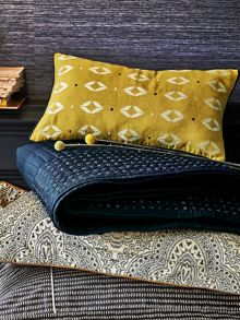 Bedeck 1951 Ziba cushion 30x50cm gold