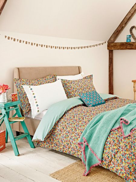 Julie Dodsworth Chicks in the eaves duvet cover set