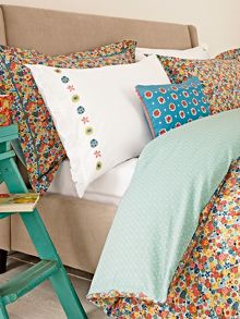 Julie Dodsworth Chicks in the eaves housewife pillowcase