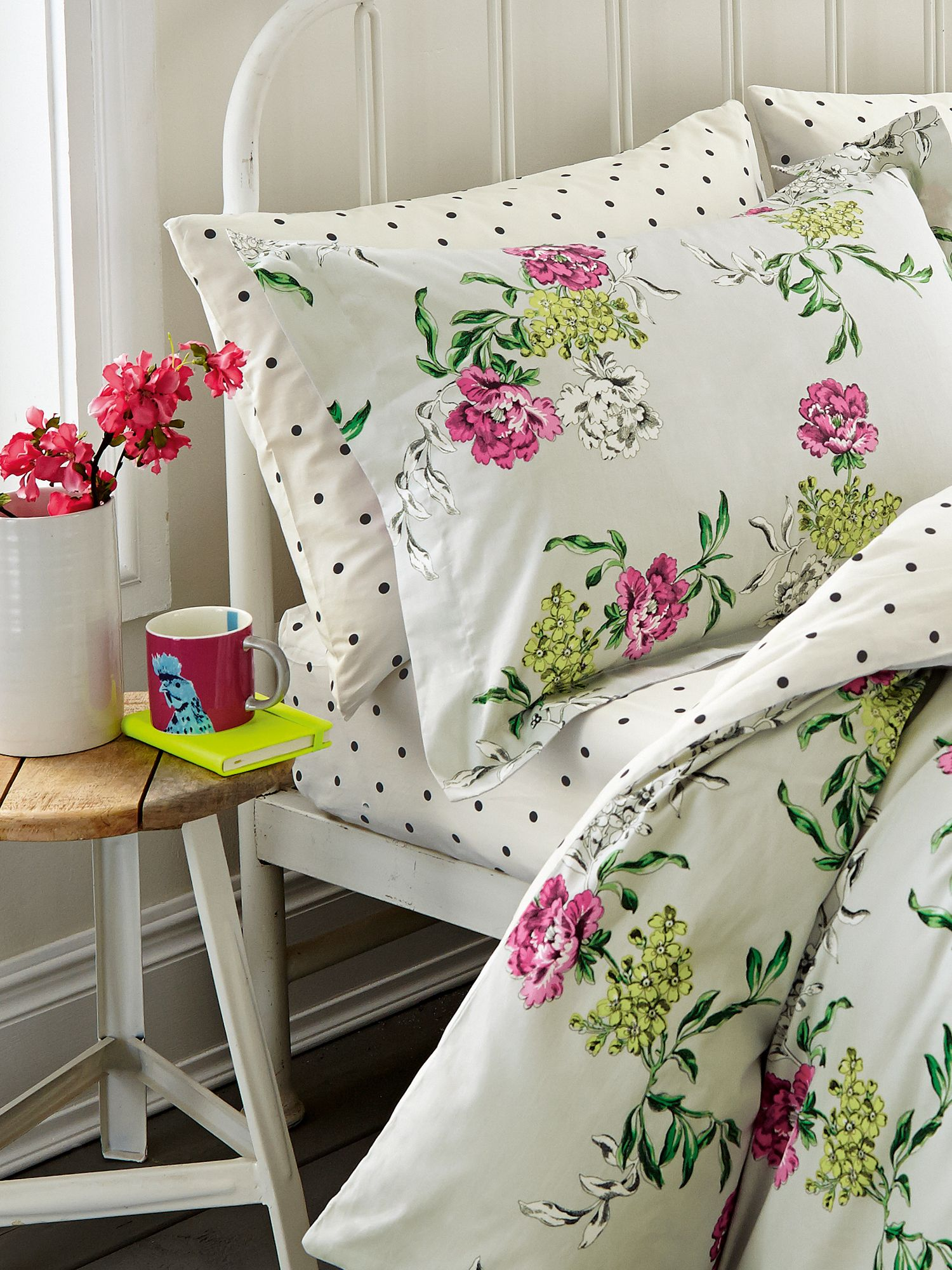 Image of Joules Buckingham floral fitted sheet