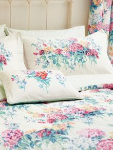 Sanderson Sweet Williams housewife pillowcase pair