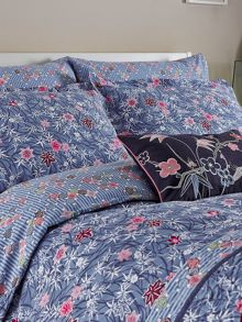 V&A Akimi housewife pillowcase pair