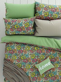 Bonnie housewife pillowcase pair