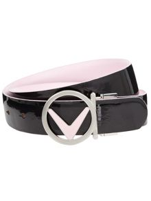 Reversible chevron buckle belt