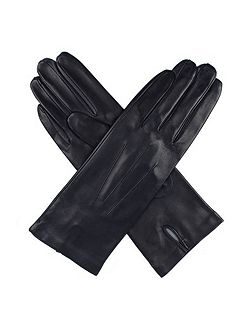 Ladies leather glove with silk lining
