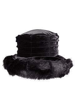 Ladies velvet hat