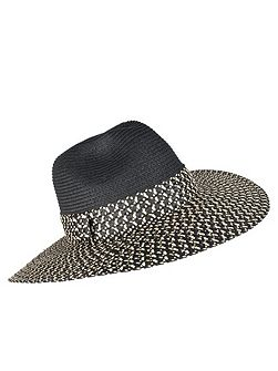 Ladies wide brim paperstraw hat