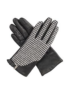 Womens gloves with touchscreen leather