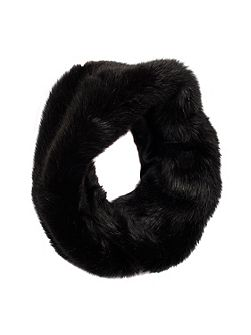 Womens faux fur eternity scarf