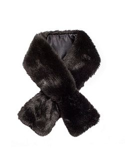 Women`s faux fur scarf