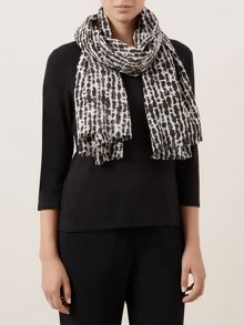 Graphic Drop Scarf