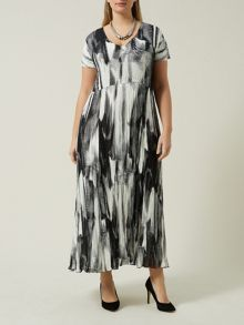 Plus Size Black And White Crinkle Dress
