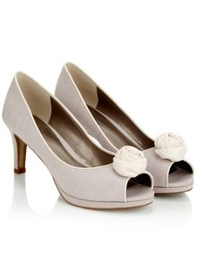 Rose Trim Shoe