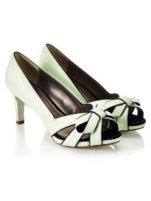 Piped Bow Platform Shoe