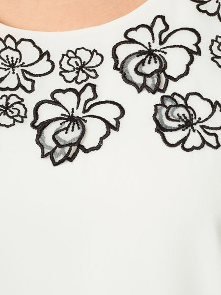 Windsmoor 3D Flower Detail Blouse