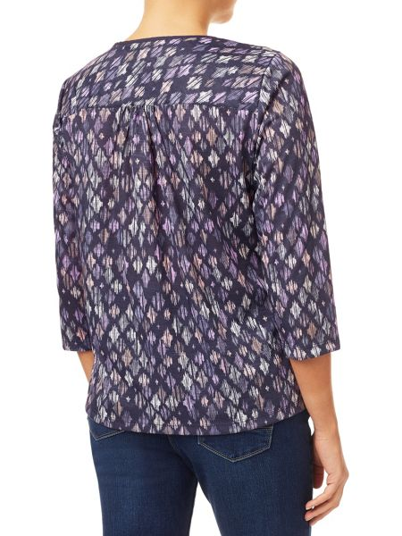 Dash Etched Diamond Print Blouse