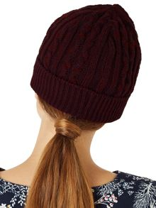 Dash Cable Hat