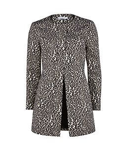 Round neck animal jacquard coat