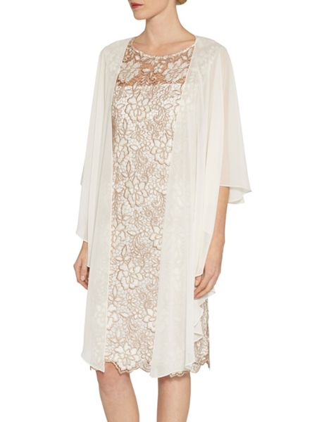 Gina Bacconi Bouquet guipure lace shift dress