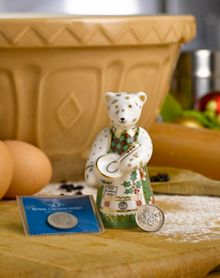Royal Crown Derby Christmas cook bear